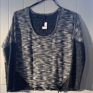 Jessica Simpson size M sweater